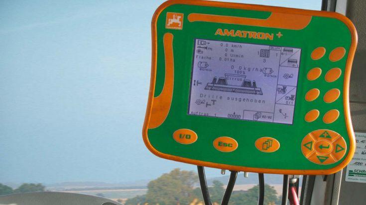 Saskarne ar Amatron+ / Amatron displejiem