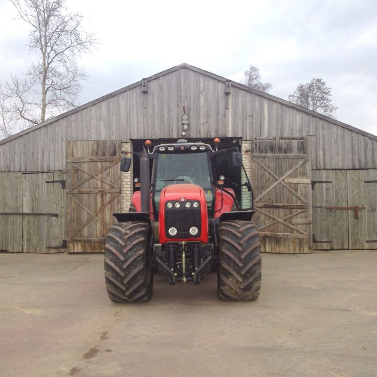 Massey Fergusson traktors