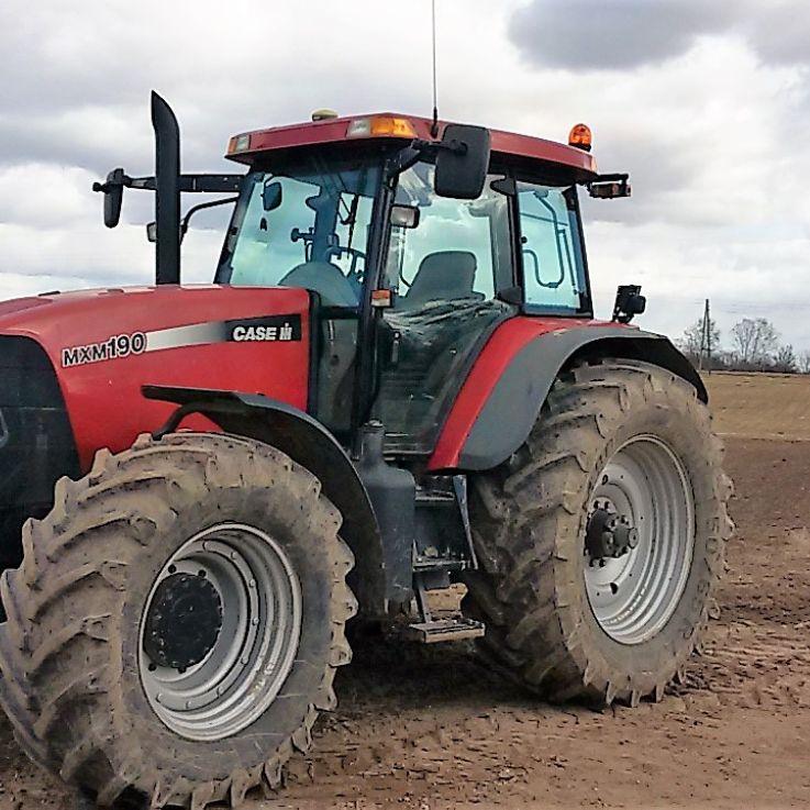 Case traktors un X14 sistēma